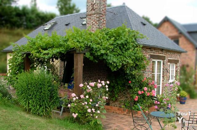 image Rent a cottage, a B & B 3*** in France, Normandy, for 2 or 6 couples, pets OK