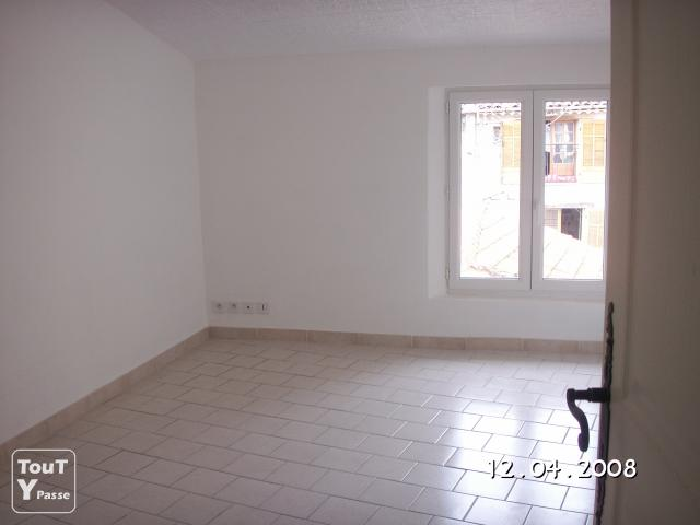 image Loue a claviers appartement f4