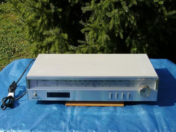 image TUNER RECEPTEUR STEREO « Brand »