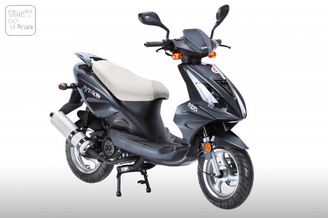a saisir scooter 125cc neuf au prix d un 50cc 999 scooters mobylettes. Black Bedroom Furniture Sets. Home Design Ideas