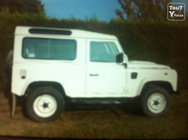 photo de 4x4 defender 90 td 4 blanc