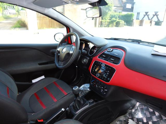 A vendre fiat punto evo racing 95hp 8500 euros occasion for Fiat punto 1 interieur