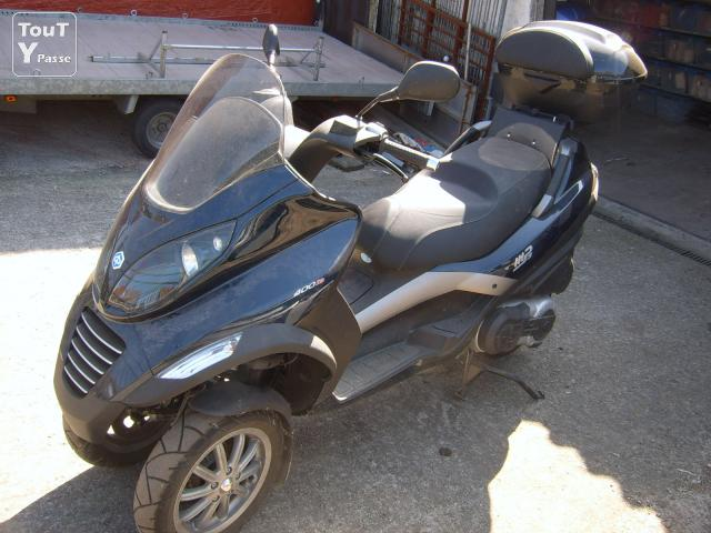 a vendre scooter piaggio mp3 400cm3 permis moto neuf saisir annonces scooter cyclomoteur. Black Bedroom Furniture Sets. Home Design Ideas