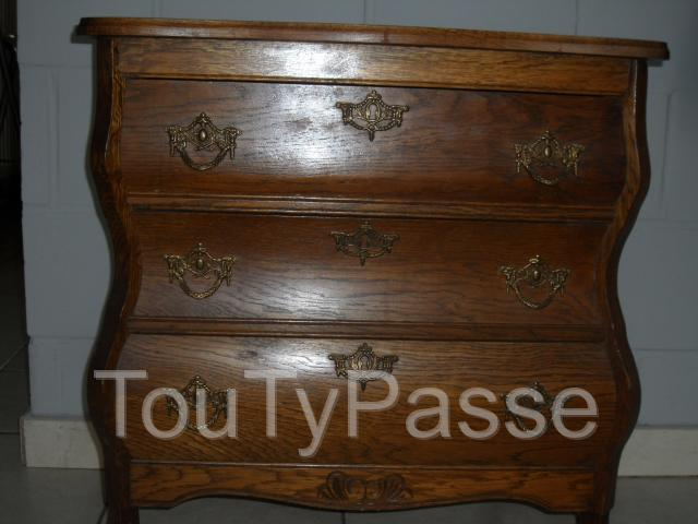 ancienne commode hainaut. Black Bedroom Furniture Sets. Home Design Ideas