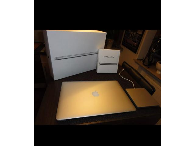 photo de Apple MacBook pro A1398 39,1 cm (15,4 Zoll)