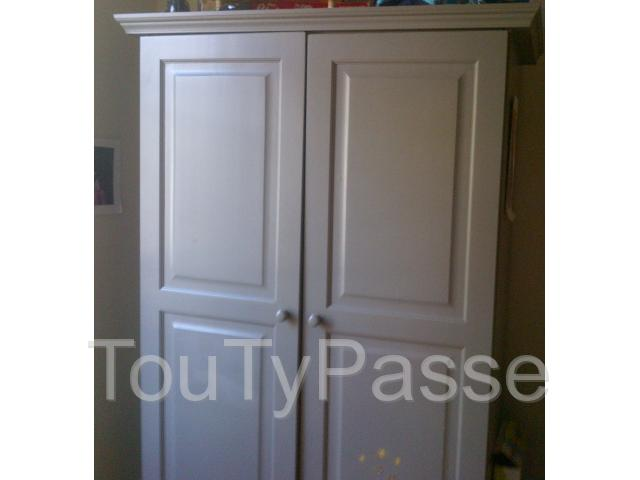 armoire penderie chambre enfant paris 04 h tel de ville 75004. Black Bedroom Furniture Sets. Home Design Ideas