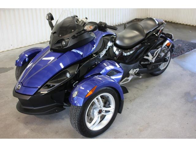 belle can am spyder rs 2009 bleu noir 997 ccm li ge. Black Bedroom Furniture Sets. Home Design Ideas