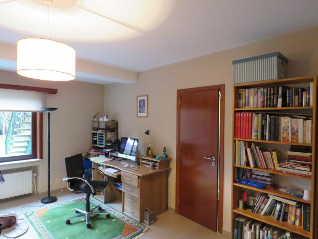 Photo BUREAU ET BIBLIOTHEQUE image 1/1