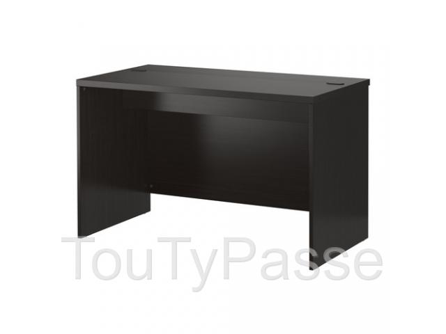 bureau noir ikea charleroi gosselies 6041. Black Bedroom Furniture Sets. Home Design Ideas