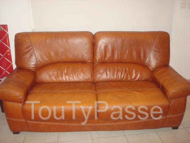 photo de CANAPE CUIR 3 PLACES + FAUTEUIL