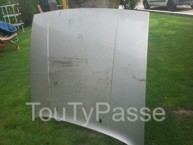 photo de capot avant porsche 924/944/951/S2 et divers pièce dispot (brade)