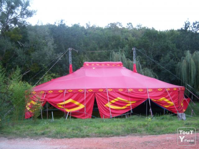 photo de Chapiteau type cirque 220m2 opaque en location homologué