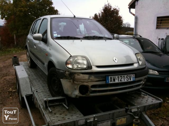 clio 2 rxt 1 6 1998 essence accident 159000 km 1500 euros. Black Bedroom Furniture Sets. Home Design Ideas