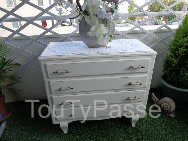 annonces brocante commode trotel. Black Bedroom Furniture Sets. Home Design Ideas