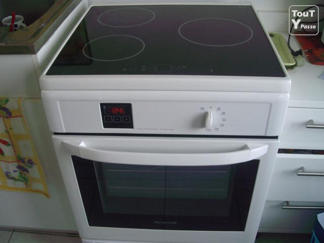 Cuisiniere induction four pyrolyse brandt kip711w for Four brandt solis multifonction pyrolyse