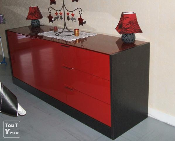 enfilade weng et rouge laqu vienne. Black Bedroom Furniture Sets. Home Design Ideas