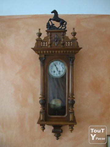 horloge murale a l 39 ancienne. Black Bedroom Furniture Sets. Home Design Ideas