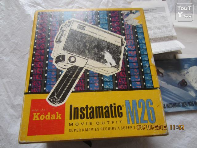 Photo Kodak Instamatic M26 movie camera made in U.S.A. image 1/6