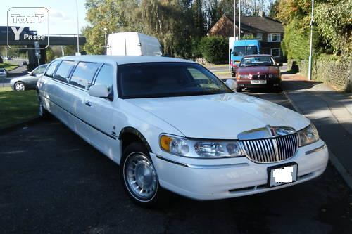 limousine lincoln town car stretch blanche 8m60 occasion pas cher roosdaal 1760 annonces. Black Bedroom Furniture Sets. Home Design Ideas