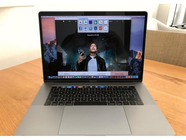 "photo de MacBook Pro 15"" Touch Bar 2017"