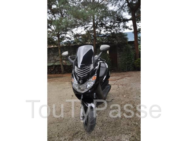 photo de Magnifique Scooter PEUGEOT Elystar 50cc