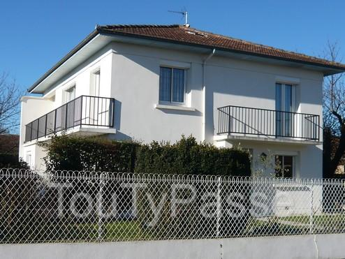 Maison traditionnelle tarbes tarbes 65000 for Maison tarbes