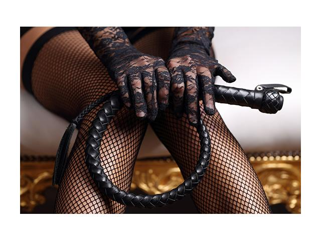 Photo maitresse dominatrice au telephone image 1/1