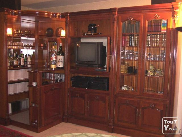meuble bar tv vitrine merisier marseille 03 13003. Black Bedroom Furniture Sets. Home Design Ideas