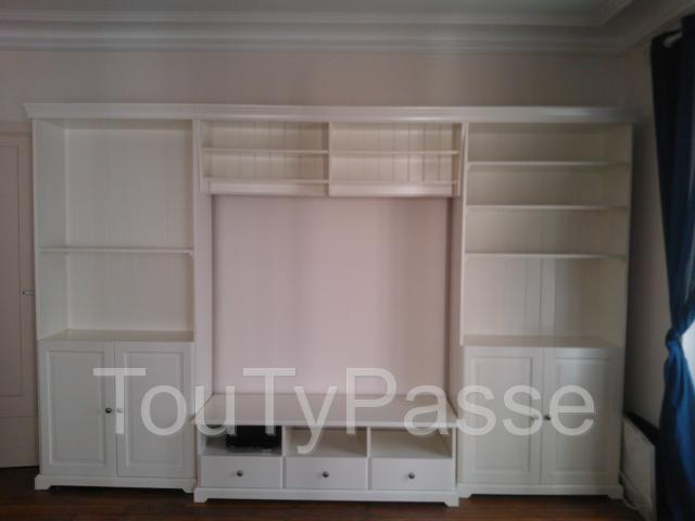 meuble t l avec rangement 2 biblioth ques blanc ikea liatorp paris 17 batignolles. Black Bedroom Furniture Sets. Home Design Ideas