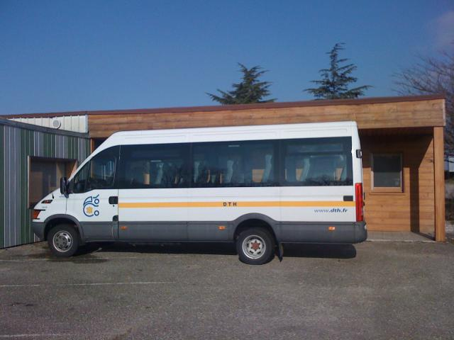 mini bus iveco 20 places bourg de p age 26300. Black Bedroom Furniture Sets. Home Design Ideas