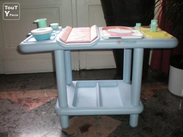 Nursery table langer poup e - Table a langer pour poupee ...