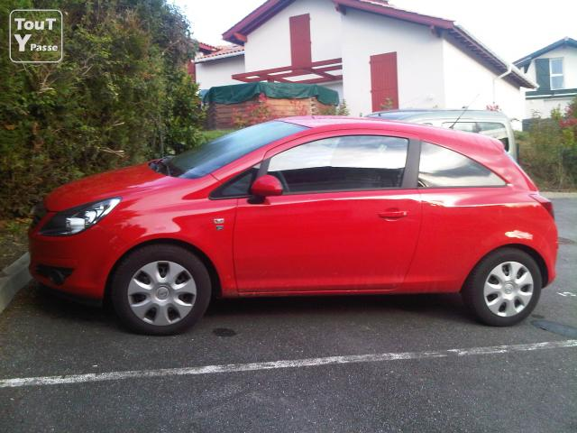 Opel corsa 111 4cv diesel 12 500 km rouge 3 portes for Opel corsa 3 portes