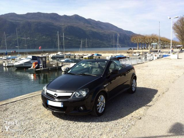 opel tigra twintop cabriolet 1 4 sport grenoble 38000. Black Bedroom Furniture Sets. Home Design Ideas