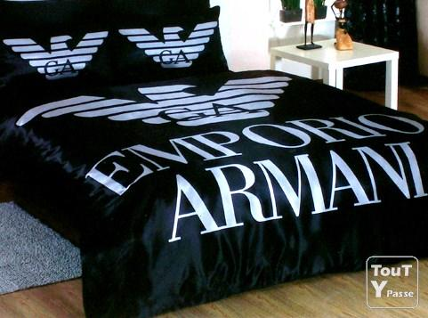 parure de lit armani petit prix valeur r elle 480. Black Bedroom Furniture Sets. Home Design Ideas