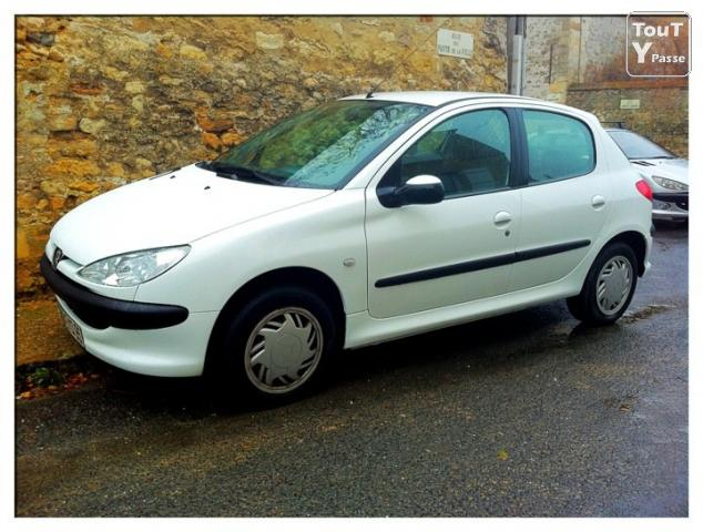 peugeot 206 1 4 hdi 5 portes 91000km th m ricourt 95450. Black Bedroom Furniture Sets. Home Design Ideas