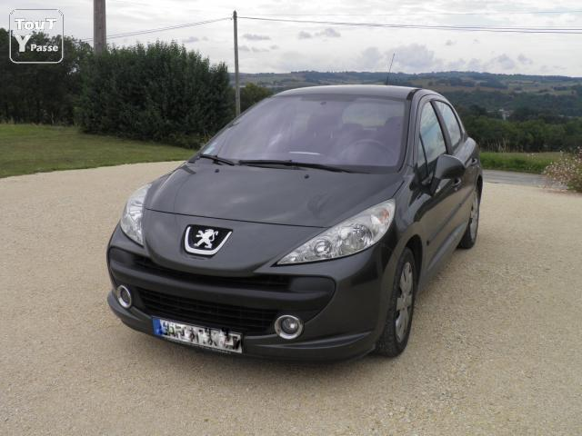 peugeot 207 1 6 hdi 90 sport lot et garonne. Black Bedroom Furniture Sets. Home Design Ideas