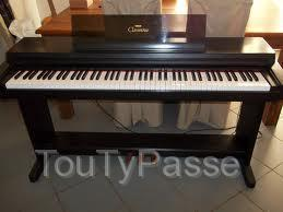 piano electrique yamaha clavinova clp 650 capdenac gare 12700. Black Bedroom Furniture Sets. Home Design Ideas