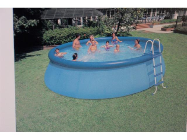 Piscine d 39 occasion leuzeen hainaut tourpes 7904 for Piscine occasion