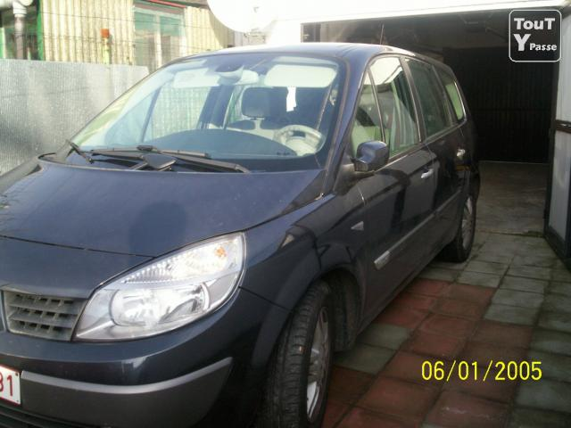 renault scenic 2 1 9 privilege luxe cuir 7places occasion pas cher binche 7130 annonces. Black Bedroom Furniture Sets. Home Design Ideas