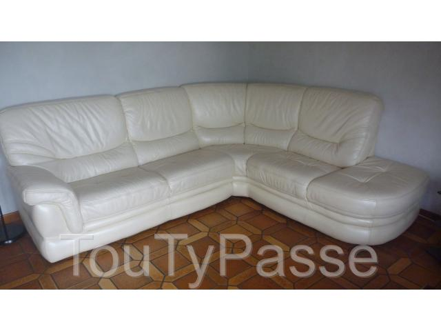 photo de Salon  cuir et 2 fauteuils