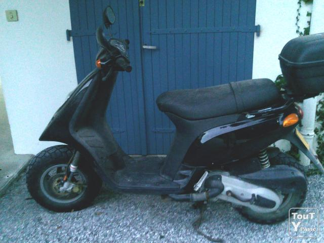 photo de Scooter Piaggio Typhoon 125 cm3 1800 kms