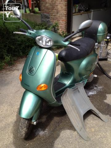photo de Scooter Piaggio Vespa 125 4T