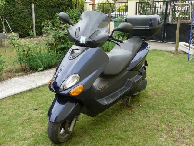 scooter yamaha majesty 125cc 1999 13455km massy 91300. Black Bedroom Furniture Sets. Home Design Ideas