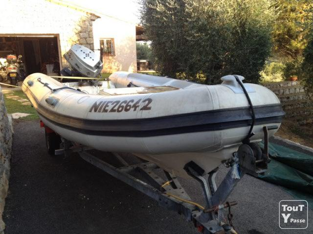 photo de Semi rigide valiant 450