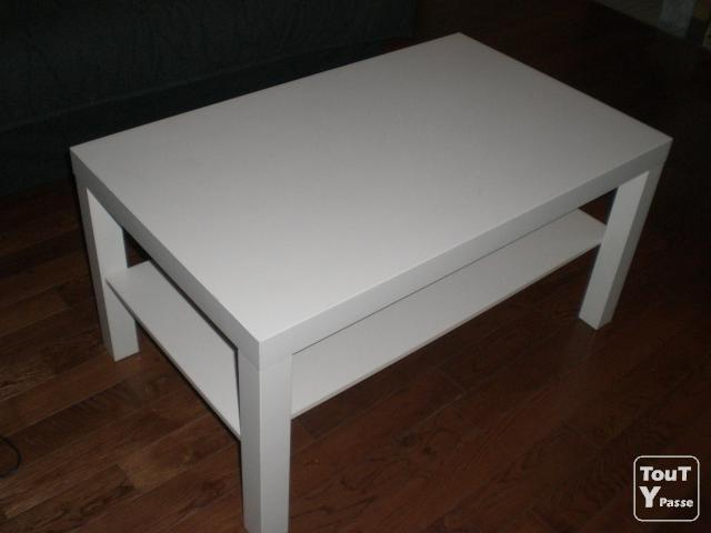 table basse ikea blanche presque neuve. Black Bedroom Furniture Sets. Home Design Ideas
