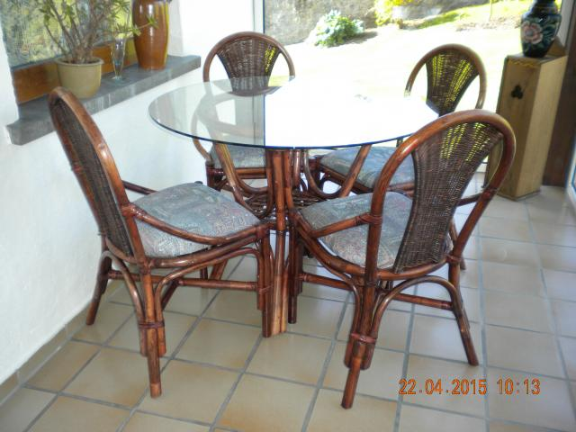 Table en rotin et chaises beaumont barben on 6500 for Table et chaise en rotin