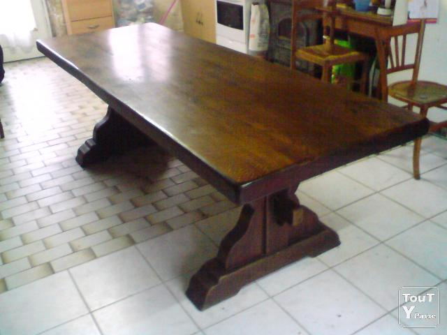 Table monast re cher for Salle a manger monastere