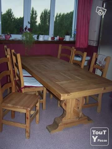 Table monast re pin massif nord pas de calais for Salle a manger monastere