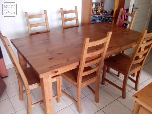 Table pin massif ikea forsby 6 chaises l guevin 31490 for Table 6 chaises kijiji
