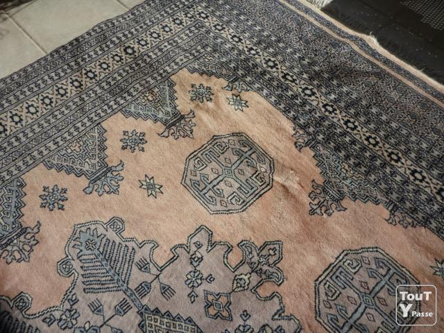 tapis fait main origine pakistan marseille 09 13009. Black Bedroom Furniture Sets. Home Design Ideas